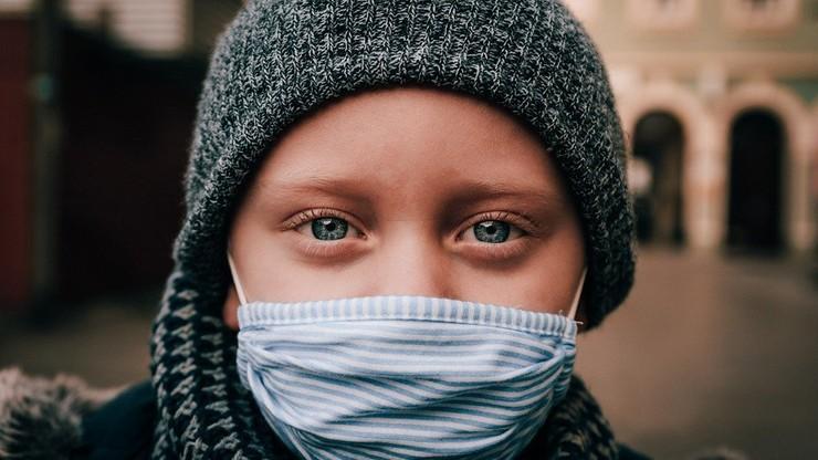 U dzieci COVID-19 powoduje więcej powikłań niż grypa, choć śmiertelność jest niska