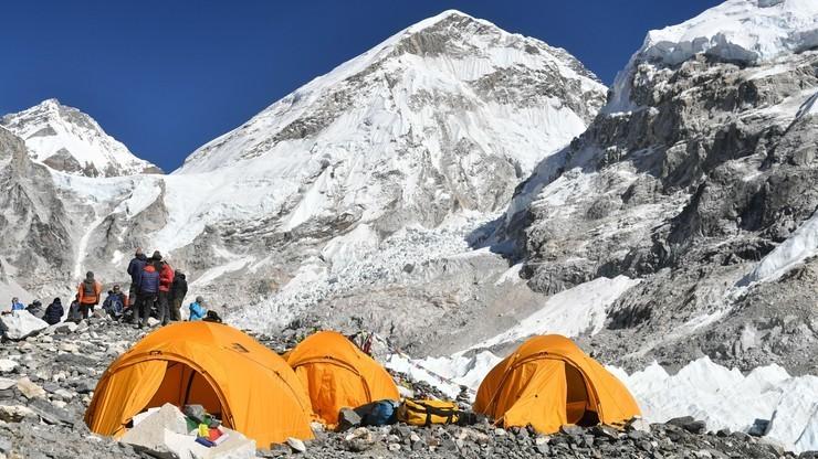 Zimowe wejście na K2: Nie ma śladu po himalaistach. Minęła doba od ostatniego kontaktu