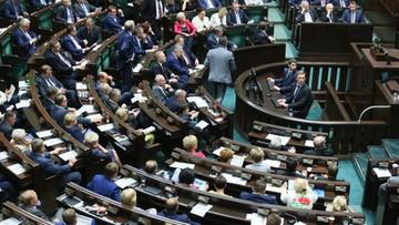 """Sejm uchwalił nowelę o regionalnych izbach obrachunkowych. """"Kolejny etap zaorania polskiego samorządu"""""""