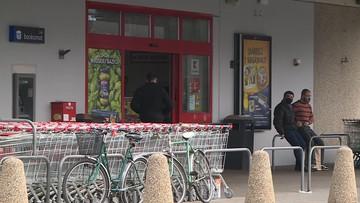 Pobicie klientki marketu w Lesznie. Nagranie z momentu ataku [WIDEO]