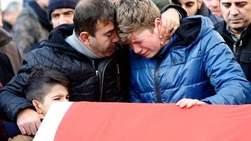 """""""Zamachowiec wystrzelił do 180 pocisków"""". Zatrzymano 8 osób podejrzanych o zamach w Stambule"""