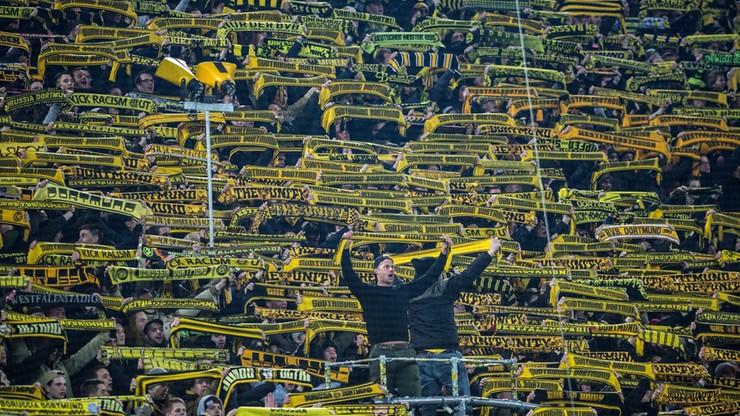 """Kibic zmarł podczas meczu Borussii. Fani odśpiewali """"You'll never walk alone"""""""
