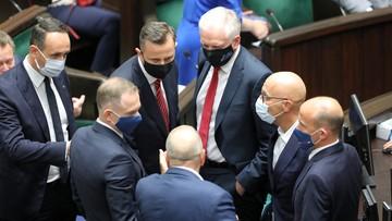 Tusk: większość sejmowa rozkłada się na naszych oczach, nie jest już w stanie rządzić