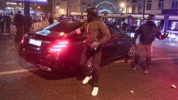 Zamieszki w Brukseli. Demonstranci zaatakowali samochód króla