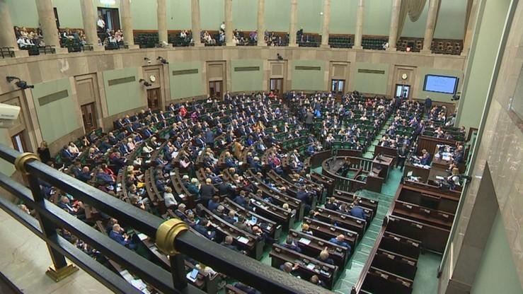 """""""Fakt"""": rolnicy chcą drugiej kadencji PiS"""
