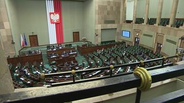 Nowy system obsługi głosowań w Sejmie ma ruszyć jesienią. Pilot i transmisja głosu z ławy poselskiej
