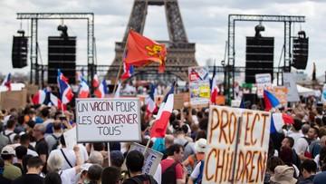 Radykalizacja antyszczepionkowców we Francji. Macrona nazywają drugim Hitlerem
