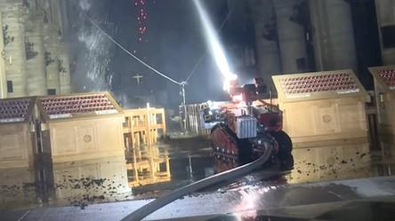 Roboty i drony pomogły uratować przed ogniem zabytki katedry Notre Dame