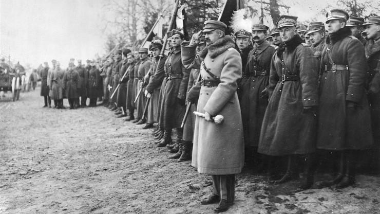 """""""Niegodni"""" Virtuti Militari. W Kancelarii Prezydenta przegląd orderów nadanych w PRL"""