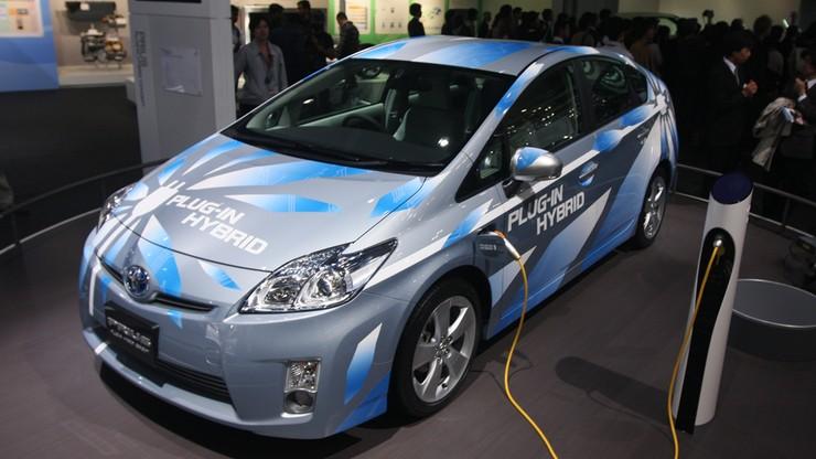 Ponad 70 procent Polaków kupiłoby auto elektryczne z dopłatą. Ale bez niej - tylko 12 procent