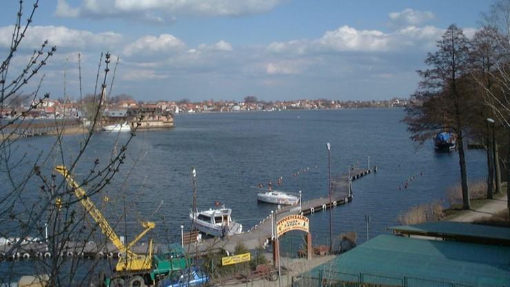 W Mikołajkach znaleziono pocisk w jeziorze, w piątek ewakuacja mieszkańców
