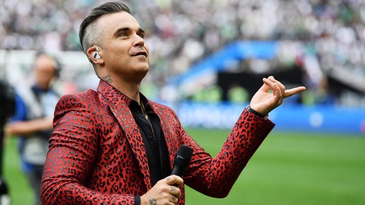 MŚ 2018: Robbie Williams pokazał wulgarny gest podczas ceremonii otwarcia