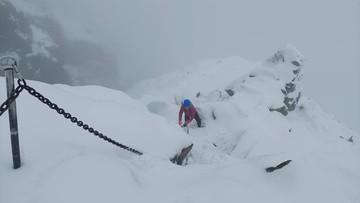 Koniec wakacji na Rysach. Pełno śniegu