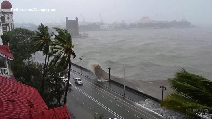 """Indie. Koronawirus i Cyklon Tauktae sieje spustoszenie. """"Najpotężniejsza burza od dwóch dekad"""""""