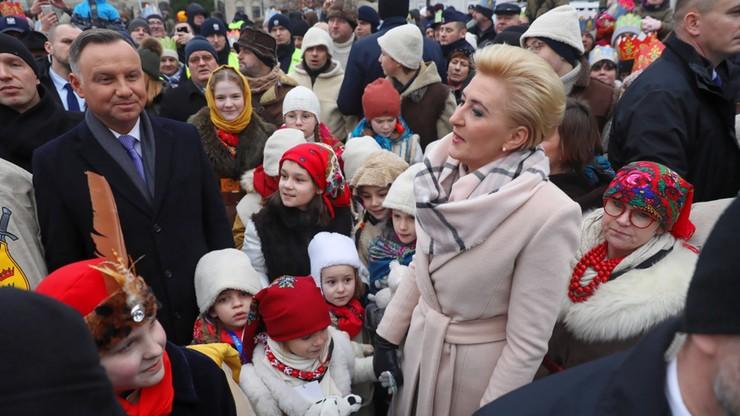 Orszaki Trzech Króli w polskich miastach. W Warszawie dołączyli Duda i Morawiecki