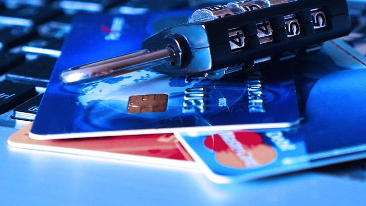 Bezpłatna ochrona przed utratą danych osobowych. Po cyberataku na stronę KNF