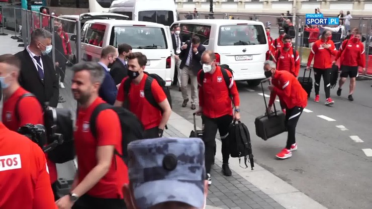 Przyjazd reprezentacji Polski do hotelu. Kibice zachwyceni