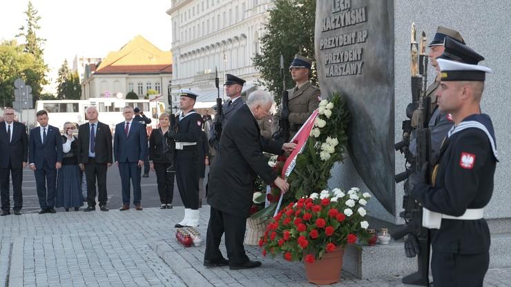 Warszawa. Politycy PiS uczcili pamięć ofiar katastrofy smoleńskiej. Incydent podczas miesięcznicy