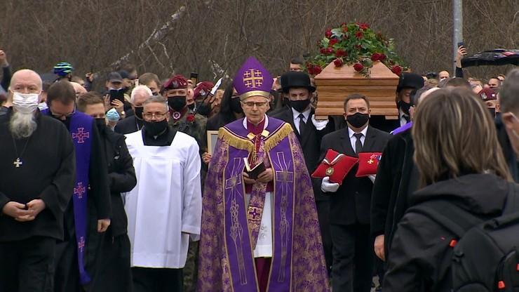 """Pogrzeb Krzysztofa Krawczyka. """"Nie zapomnimy jego tak bardzo polskiego głosu"""""""
