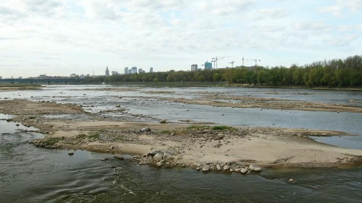 Stan wody w Wiśle  to niecałe 50 cm. Trzaskowski: sprawa jest poważna