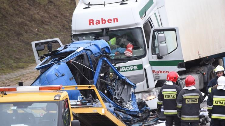 Wypadek na A1. Jedna osoba nie żyje. Wznowiono ruch