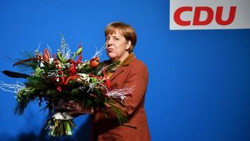 Merkel ostrzega przed potępianiem uchodźców. Po śmierci studentki