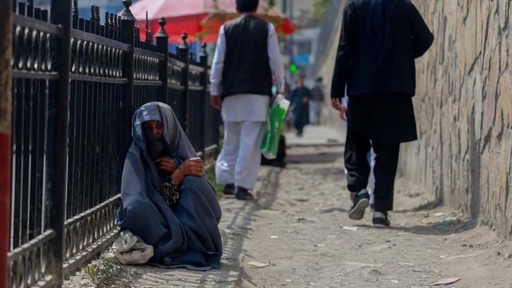 """Afganistan. Obcięcie ręki za kradzież. Talibowie przywrócą drastyczne kary dla """"bezpieczeństwa"""""""