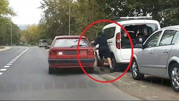 """Okradali we dwóch auto. Jeden tak szybko uciekał, że """"zapomniał"""" o wspólniku [WIDEO]"""