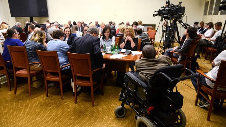 Komisja pozytywnie o projekcie wsparcia osób o znacznym stopniu niepełnosprawności