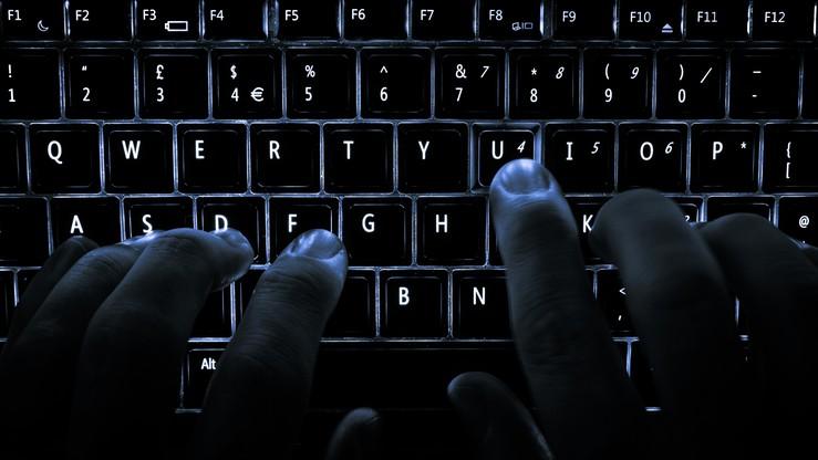 Członkowie rządu, posłowie, senatorowie, samorządowcy. Długa lista ofiar ataku hakerskiego