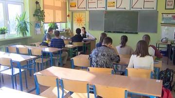 PO i ZNP apelują marszałka Sejmu o debatę nad wnioskiem o referendum ws. reformy edukacji