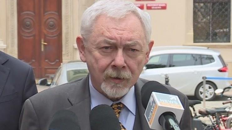 Prezydent Krakowa dostał mandat. Zapalił cygaro w gabinecie
