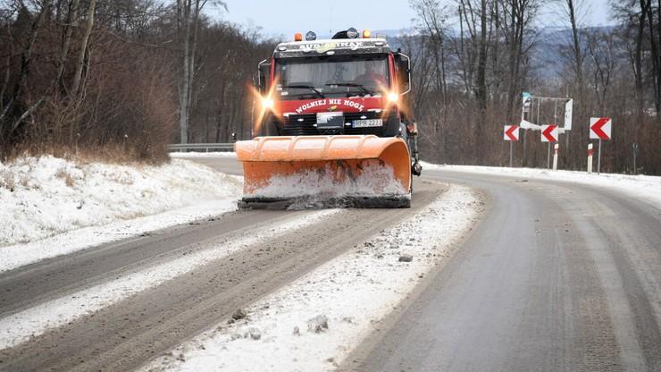 Atak zimy. Mnóstwo śniegu, śliskie drogi i chodniki