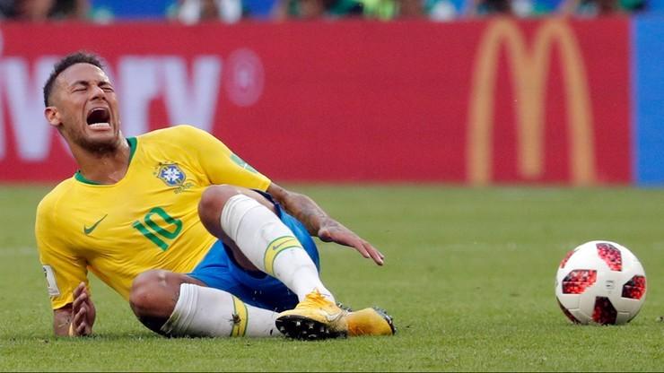 Rywal zakpił z Neymara! 6 słów do sędziego, które podbijają internet