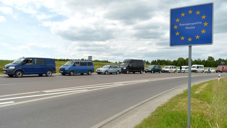 Gigantyczne kolejki na wschodnich granicach Polski. Protest celników rozszerza się