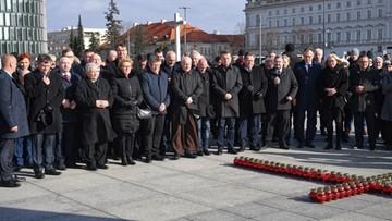 Politycy PiS uczcili pamięć ofiar katastrofy smoleńskiej