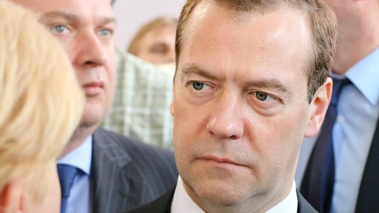 Miedwiediew: sankcje będą dotyczyć setek obywateli Ukrainy