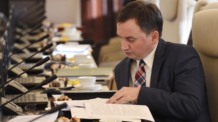 Ziobro będzie zwierzchnikiem dyrektorów sądów. Będzie ich powoływał i odwoływał