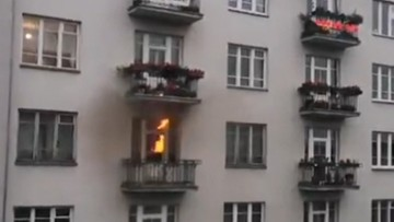 """Podpalił mieszkanie, miał szalik """"Wielka Polska"""". Grozi mu kara"""