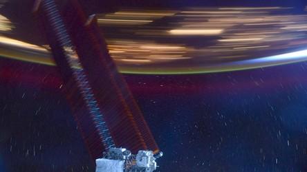 Astronauta oddał na zdjęciu prędkość 28 tysięcy km/h, z jaką orbituje kosmiczny dom
