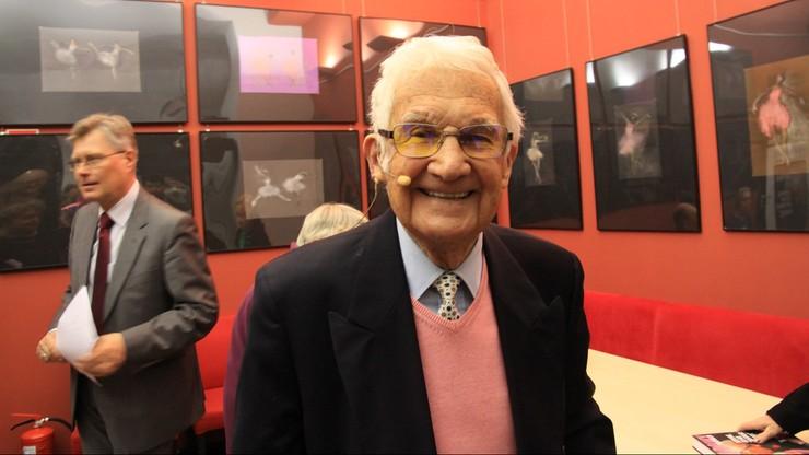 Coming out w wieku 100 lat. Najstarszy polski aktor wyznał, że jest gejem