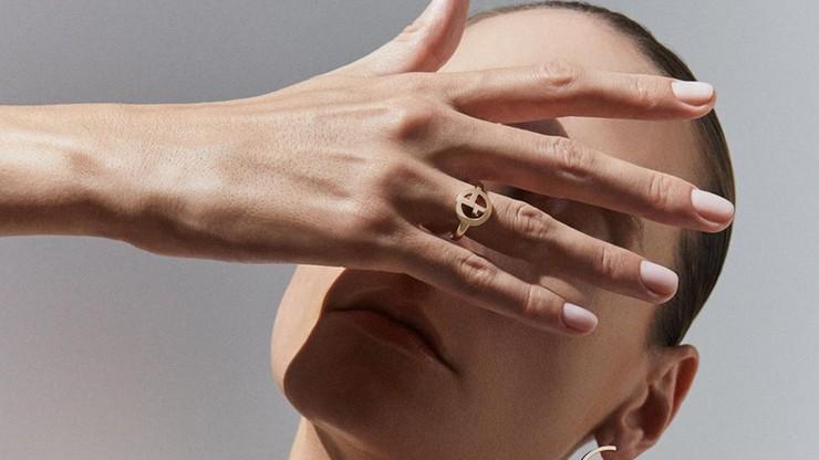 """""""To forma gwałtu"""". Słynny projektant mody o kobietach w reklamach"""