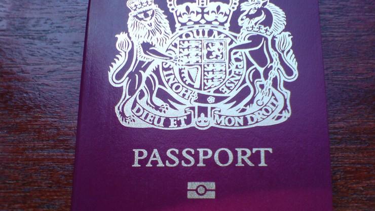 """""""Sunday Times"""": 150 brytyjskich islamistów pozbawiono paszportów"""