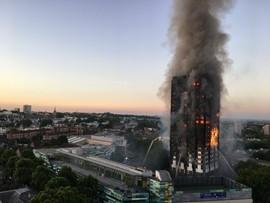 Śledczy zidentyfikowali 70 ofiar ogromnego pożaru wieżowca w Londynie