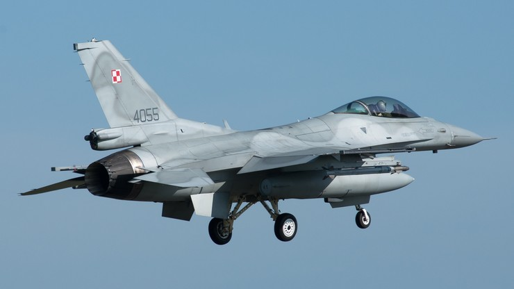 """""""Piloci F-16 zaopiekowali się Rosjaninem"""". Wojsko potwierdza incydent lotniczy"""