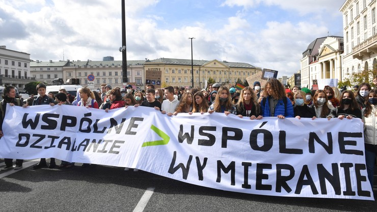 """Młodzieżowy Strajk Klimatyczny na polskich ulicach. """"Wspólne działanie lub wspólne wymieranie"""""""