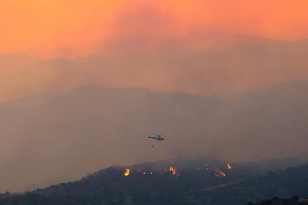 W akcji gaśniczej biorą udział helikoptery