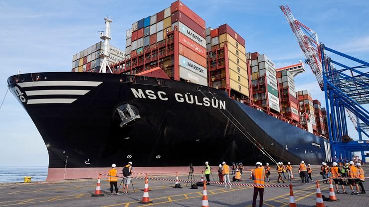 Największy na świecie kontenerowiec MSC Gulsun wpłynął do gdańskiego portu