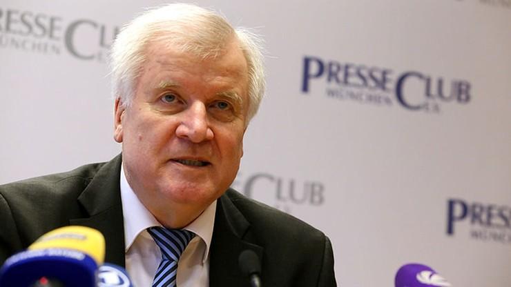 Szef niemieckiego MSW: migracja to matka wszystkich politycznych problemów