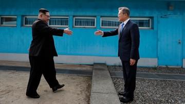 """""""Seul powinien ufać, ale sprawdzać"""". """"Financial Times"""" o szczycie obu Korei"""